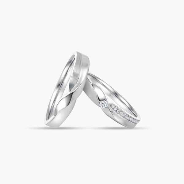 LVC Desirio Passion Wedding Ring for couples in White Gold with a Center Diamond Inlay
