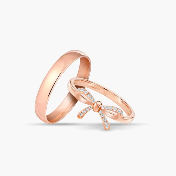 LVC Noeud Joie Wedding Band Set in Rose Gold with Diamonds